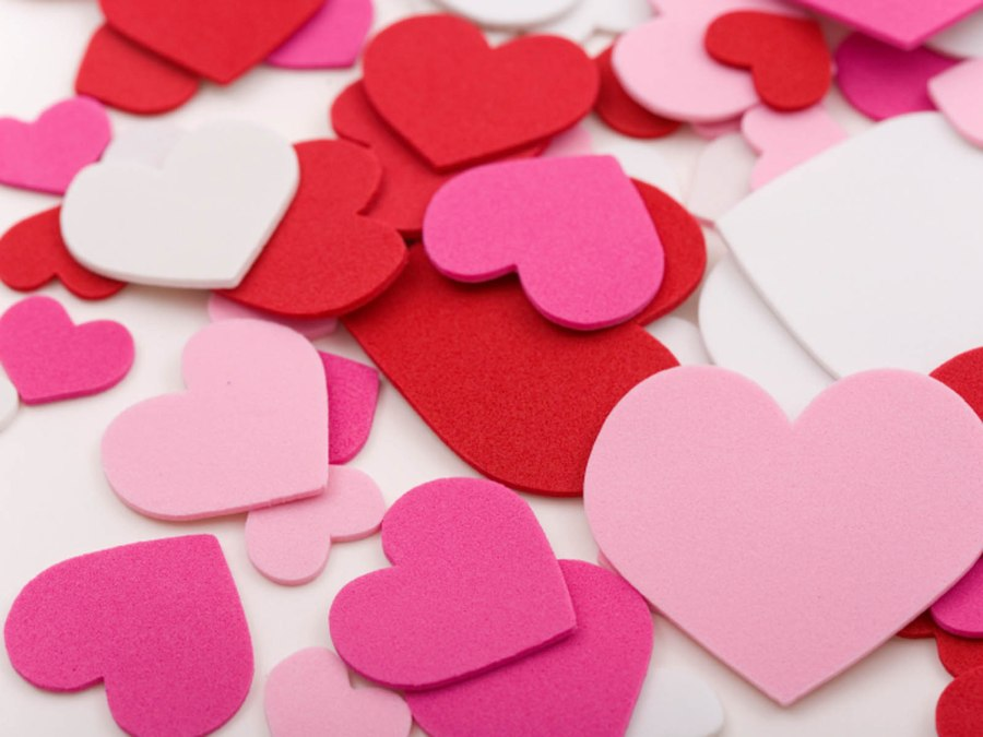 Last minute Valentine's Day gift ideas he or she will love! (when you just starteddating)
